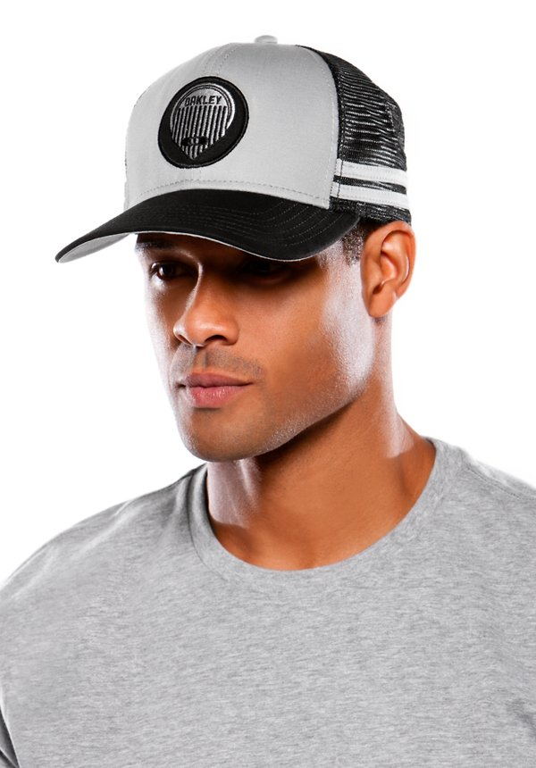 Mens Oakley Trucker Hats
